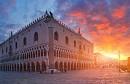 Tới Venice Chiêm Ngưỡng Dinh Tổng Trấn Doge Đầy Quyến Rũ