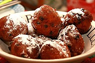 Bánh Oliebollen Hà Lan