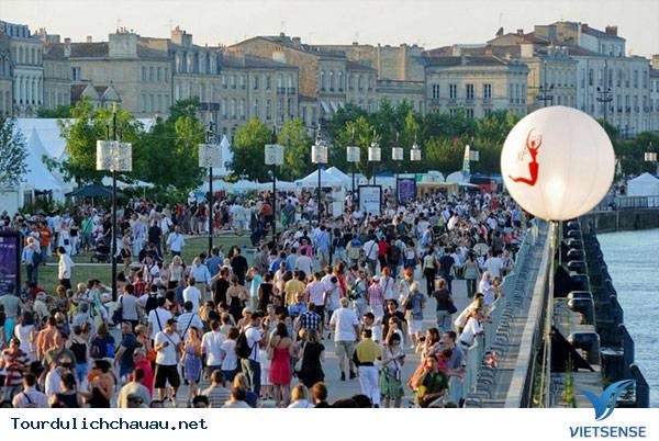Lễ hội rượu vang nổi tiếng của Pháp
