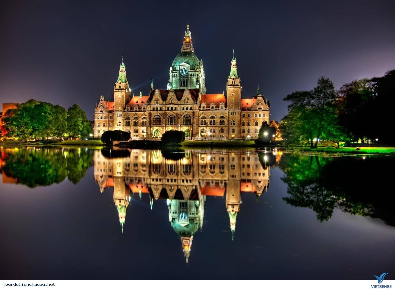 Tour Châu Âu 9 Ngày: Pháp - Bỉ - Hà - Đức Tháng 11